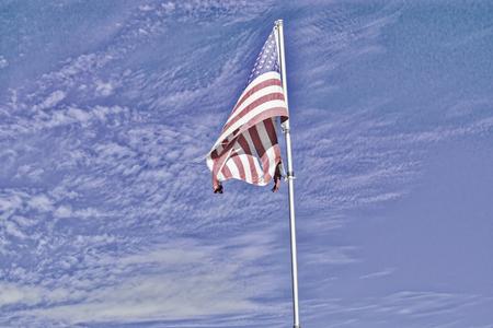 HDR フィルターを適用、破れたアメリカ国旗