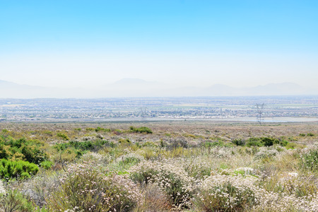 Smog in de morgen in Zuid-Californië Stockfoto - 80523923