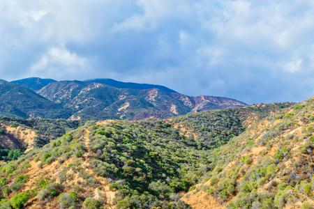 南カリフォルニア山の最近の書き込み領域に朝の雨 写真素材