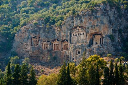 Famous Lycian Tombs of ancient Caunos city, Dalyan, Turkey Фото со стока - 80624056