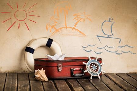 Letní cestování a dovolená koncept