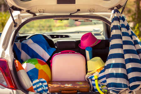 trunk: Vacaciones de verano. Concepto de viaje de coches Foto de archivo
