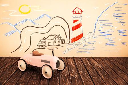 dream car: Viaje del coche. Las vacaciones de verano y el concepto de viaje