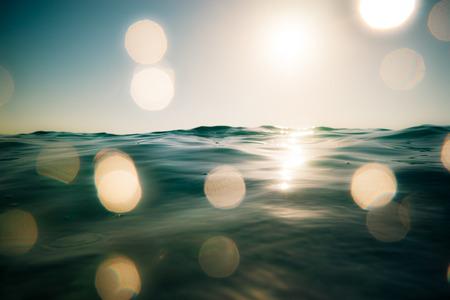 Sommer Meer und Himmel im Hintergrund