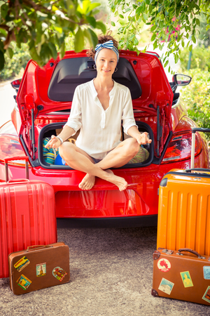 travel woman: Happy woman ready to trip. Summer vacation and travel concept Stock Photo