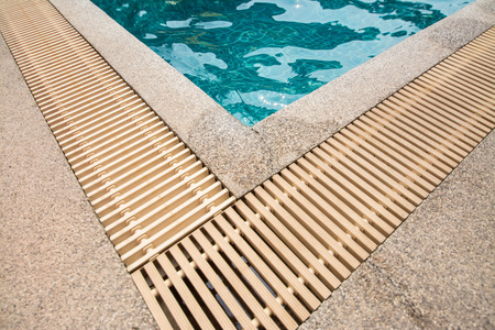 overflow: swimming pool and gutter water overflow and sand wash terrace