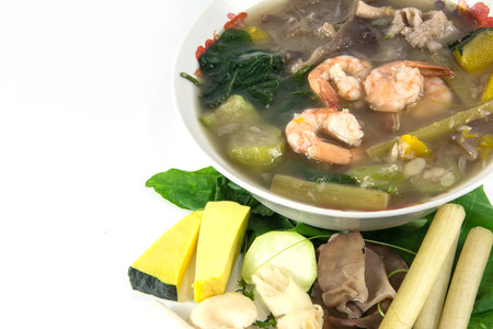 zolla erbosa: Thai Spicy Mixed Vegetable Soup with shrimp, Kang Liang Goong Sod