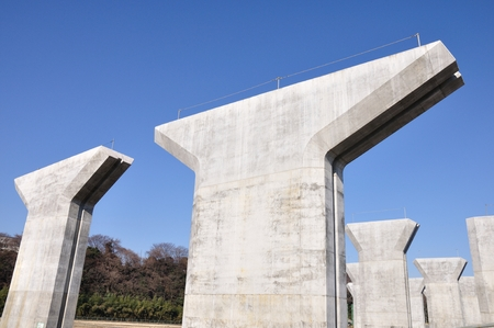 kanagawa: Construction of highway bridge pier