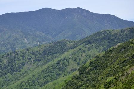 From the left, Okuda-dake and Kitakyushu-dake and Mt. Kunigamigake