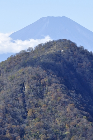 Overlapping Mt. Fuji and Hinokudamaru