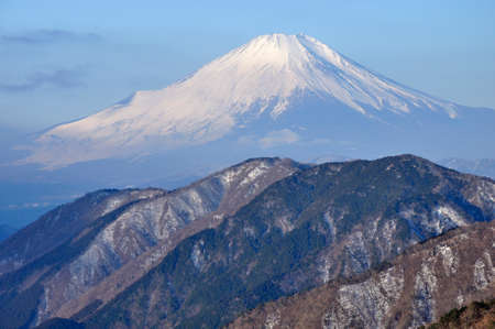 View of Mt. Fuji in winter from Mt. Tochio in Tanzawa 스톡 콘텐츠