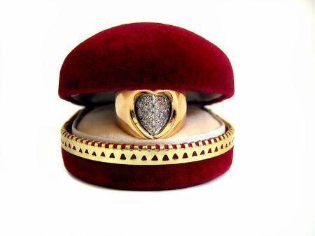 suprise: golden heart in velvet box