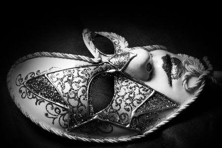 mascaras de carnaval: Venetian Carnival Mask, estudio en blanco y negro dispararon