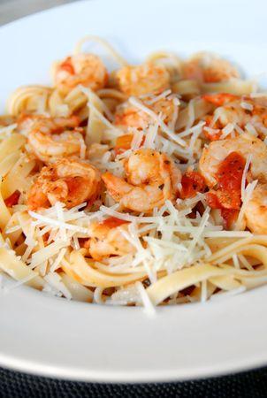 Spaghetti Marinara serving with shrimps Stock Photo - 7160683