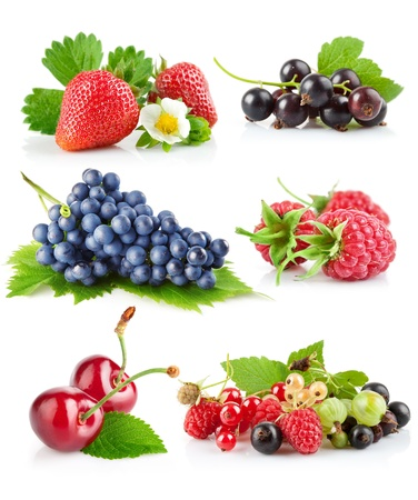 currants: set fresh berries with green leaf isolated on white background