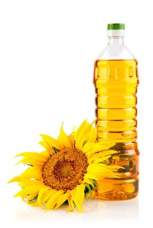 zonnebloemolie met bloem geïsoleerd op witte achtergrond Stockfoto