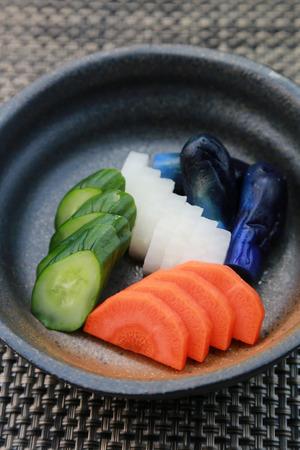 pickles: encurtidos  comida japonesa