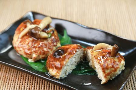 두부로 만든 두부 햄버거  햄버거 스테이크