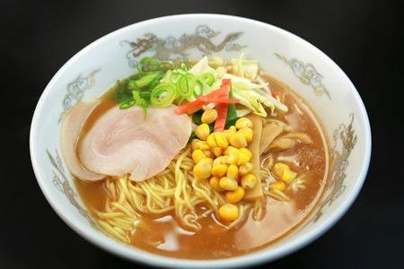 日本拉麵,味噌味拉麵 版權商用圖片