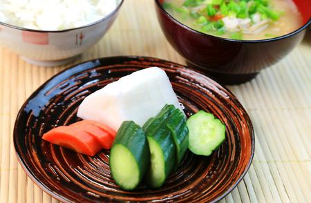 encurtidos: Encurtidos  comida japonesa