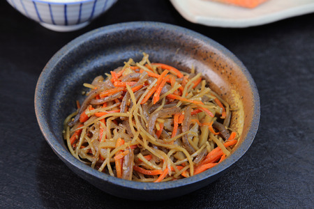 japanese food: Alimentos KinpiraJapanese Foto de archivo