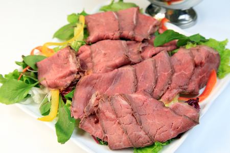thinly: Roast beef