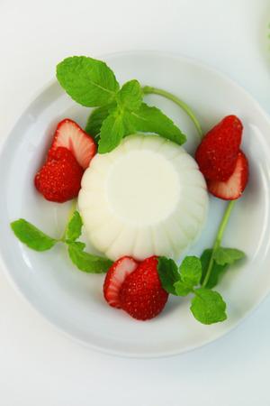 vanilla pudding: Vanilla pudding Stock Photo