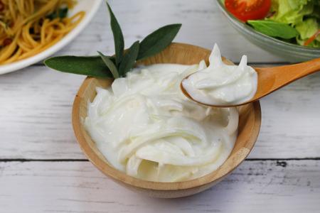 玉ねぎとヨーグルトのソース