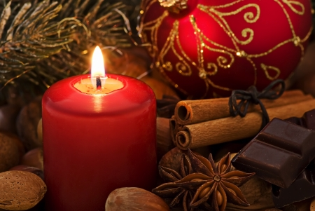cobnut: Christmas Decoration with Candlelight
