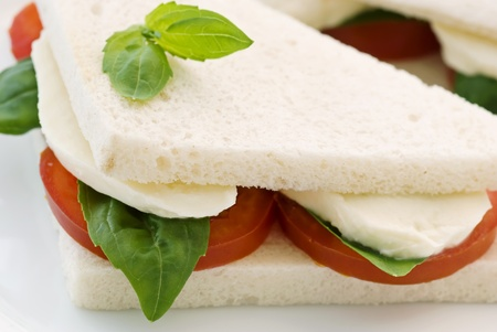 panino: S�ndwich de mozzarella de tomate