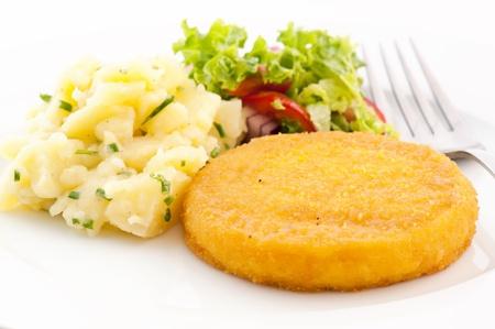 hermelin: Scalloped Camembert