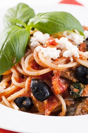sycylijski: Spaghetti Sycylijska Zdjęcie Seryjne