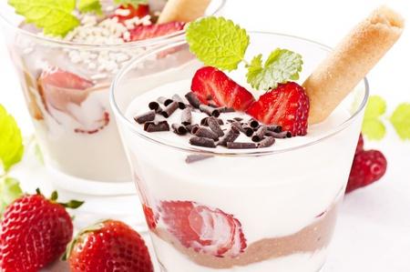 Dessert avec fraise