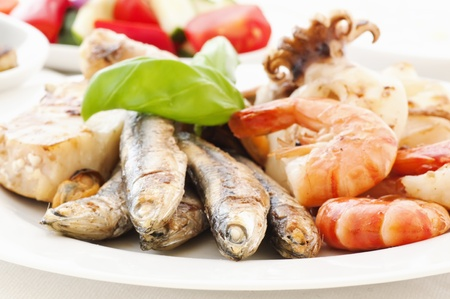 sprat: Seafood Platter with Vegetable and Tzatziki