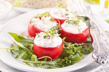 tomatos: Tomatos with feta filling and rocket salad