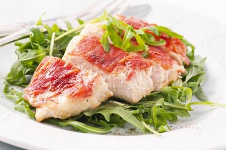 roquette: Prosciutto Chicken steak with rocket salad