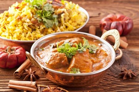 chicken curry: Indisches Essen mit Curry und Biryani