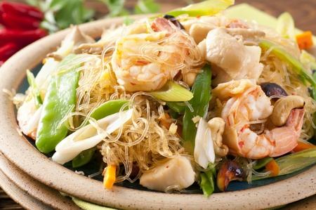 exotically: Glass noodles with shrimps and vegetable