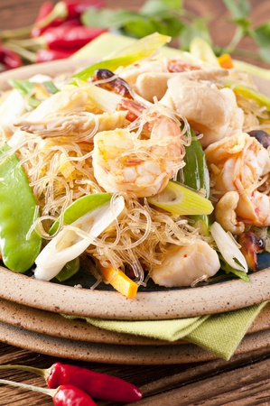 Pad Woon Sen with shrimps and fish photo