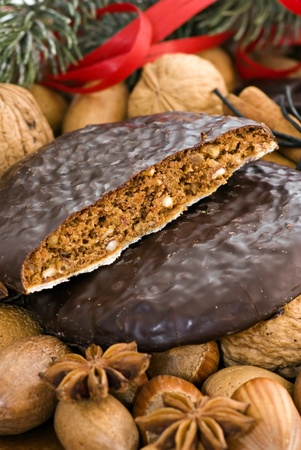 cobnut: Ginger Bread and Nuts