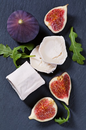 diat product: goat cheese with figs and rucola