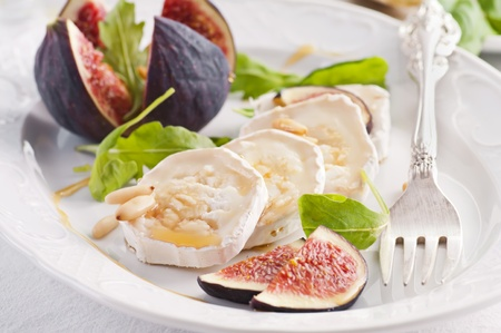 Goat cheese with fig and honey