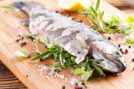 salmo trutta: Fresh trout stuffed with herbs