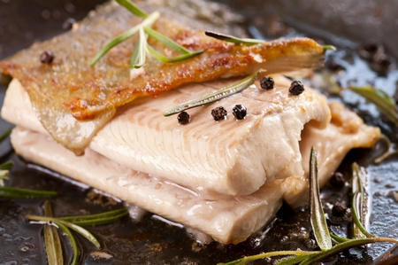 salmo trutta: trout fried in the iron pan with herbs