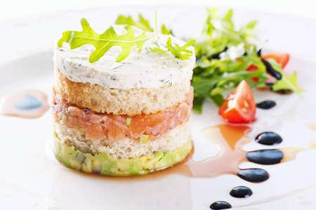 starter: Starter with salmon tartare and salad