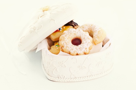 comfit: sweets in the white box