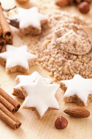backing: zimtstern christmas cookies