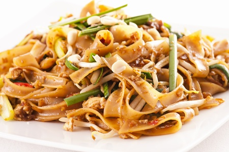ribbon pasta: PAd Thai on the white plate