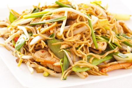 mee pok: chinese stir-fried noodles with chicken  Stock Photo
