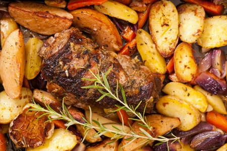 oven potatoes: Lamb roast with potato